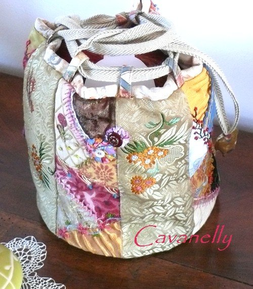 sac crazy... dans broderie sac-rond